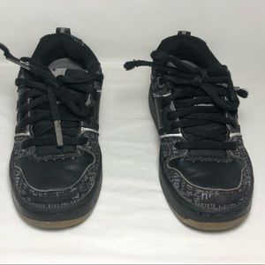 Heelys Typhoon Sneakers Wheel Shoes Sz Youth US 1